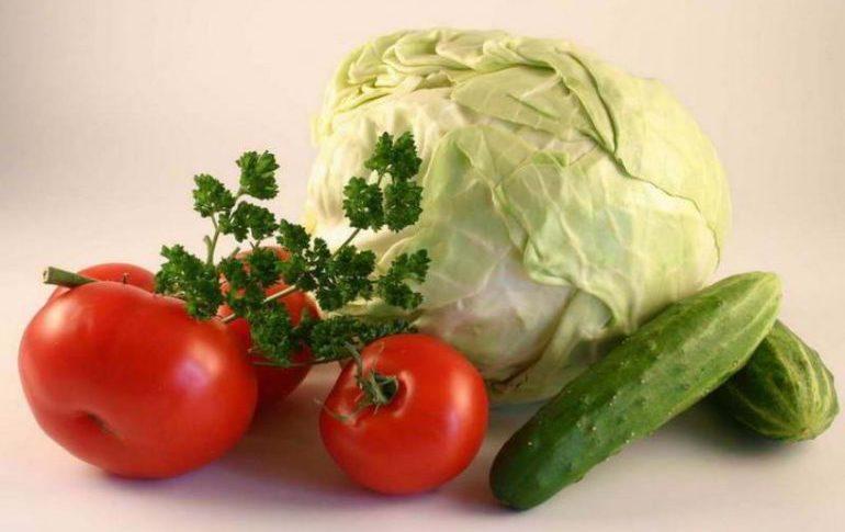 Овощи: капуста, огурцы, помидоры